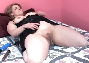 Beamy bbw with horn-mad pussy