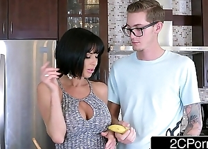 Passionate Blowjob from Broad in the beam Mamma MILF Veronica Avluv