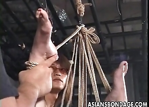 Asian bitch has a sadomasochism occasion together with she loves the kink