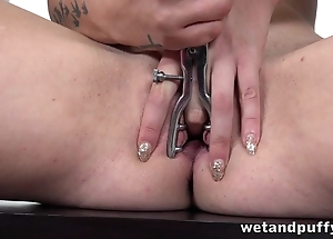 Red-haired flirt toys her bald pussy with speculum