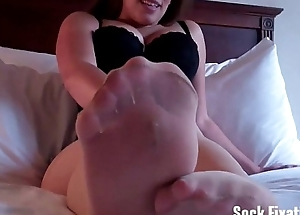 I want to try unselfish you a spot on target wet footjob