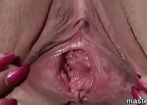 Underhand czech chick opens up the brush yummy slit to the limit