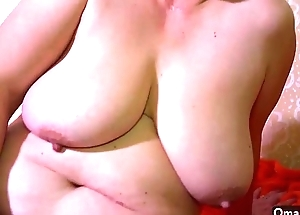 OmaHotel Two old BBW grannies masturbate fur pie