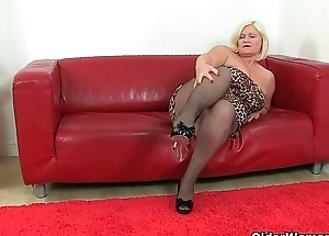 British grannies Lacey Starr coupled with Amanda Degas love dildoing